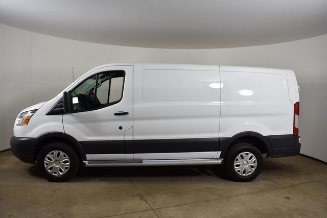 Pre-Owned 2018 Ford Transit-250 Base 3D Low Roof Cargo Van